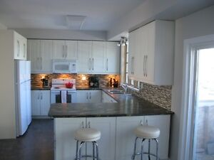 1 MALE STUDENT & 1 FEMALE STUDENT ROOM AVAILABLE Peterborough Peterborough Area image 1