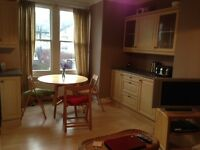 Richmond/St Margaret's - furnished double room