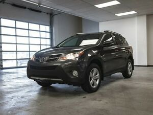 2013 Toyota Rav4 XLE, AWD, 3M Hood, Heated Seats, Touch Screen,