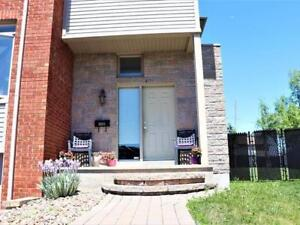 Selling big house in Pierrefonds