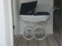 Dolls Pram Silver Cross Coachbuilt Carriage ***Absolutely Delightful***