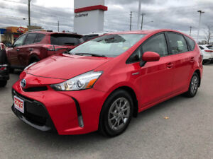 2015 Toyota Prius v LEATHER+NAVIGATION+XTRA WARRANTY-100,000 KMS