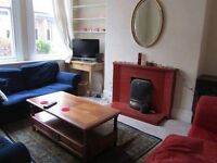 Lovely Room in Shared house - SHORT SUMMER LET from now until 18th AUGUST 2017.