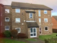 2 BED FLAT WITHIN MILE OF SUTTON TRAIN AND SHOPPING, REDECORATED, MODERN KITCHEN/BATHROOM, NO CHAIN