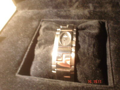 Versace ESO99  Ladies Watch.S/S..In Original Case & Box-New Battery.SUPERB!..