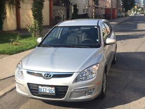 2009 Hyundai Elantra Touring - Excellent Condition