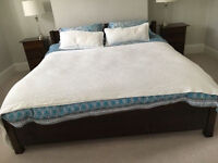 Warren Evans Quality Super King Size Wooden Bed Frame & Clean Mattress & 2 Matching Bed Side Tables