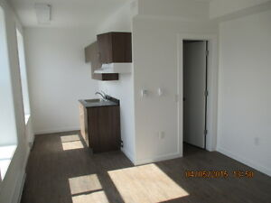 Apt in St Johns, $775, 2BR + hydro, electric heat (K526)