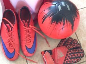 Mens Mercurial Nike Soccer shoes -gently used