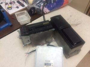radio et auto chargeur de 12 (CD)+ E.C.M. transmission automatic West Island Greater Montréal image 2