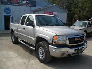 2004 GMC Sierra 2500HD  AS TRADED  EXT CAB   4X4   SOLD ASIS