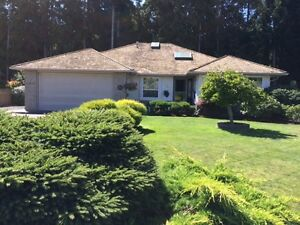 Qualicum Beach Home For Sale