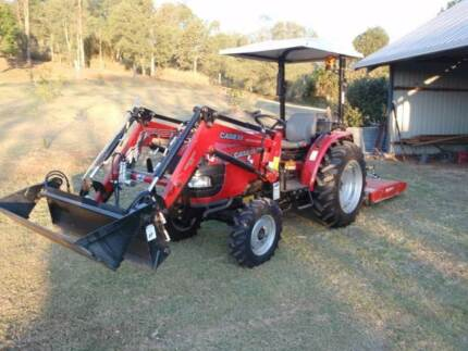 CASE IH FARMALL 35B Tractor Pine Mountain Ipswich City Preview