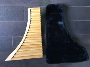 Flûte de Paon , instrument de musique, et étui.