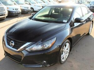 2017 Nissan Altima 2017 Clearance!! 3.5L SL: Navigation, Blind S