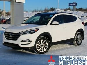 2016 Hyundai Tucson Limited AWD | HEATED LEATHER | NAV | BACK...