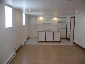 Big Bachelor Apartment 2 1/2 for rent N.D.G.