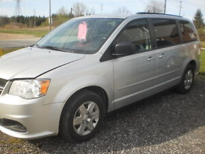 2012 Dodge Grand Caravan stow n go Minivan, Van REDUCED