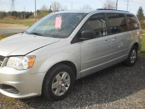 2012 Dodge Grand Caravan stow n go Minivan, Van