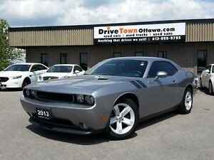 2013 Dodge Challenger SXT Plus **ONLY 22000KM**