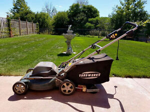 """Electric 20"""" Lawnmower *Great Condition*"""