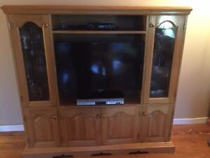 Solid Oak Entertainment Centre/Display Cabinet