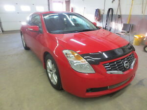 2009 Nissan Altima 3.5 SE Coupe (2 door) LOW KMS