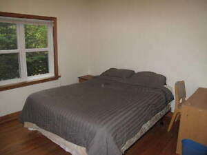 Furnished bedroom for couple for rent in Banff, $835/mo, Apr1st-