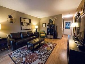 BEAUTIFUL 4 BEDROOM TOWNHOUSE IN MILLWOODS! CLOSE TO SHOPPING! Edmonton Edmonton Area image 3