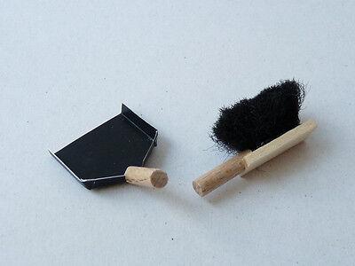 Handfeger und Kehrblech Holz +  Blech  1:12  Puppenstube Puppenküche Müllschippe