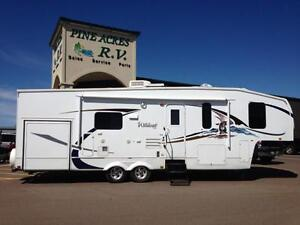 $118 BiWeekly  2009 Wildcat 30 LOFT (Fifth Wheel)