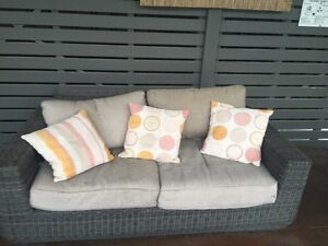 Outdoor lounge suite Belmont Lake Macquarie Area Preview