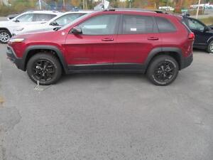 2016 Jeep Cherokee Trailhawk w/ Leather