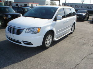 2016 Chrysler Town & Country Touring Minivan, Van