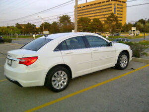 BUY RIGHT NOW: 2012 Chrysler 200-Series MINT CONDITION/LOW MILES