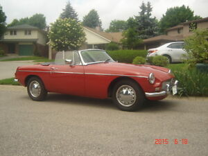 1968 SUPERLATIVE MGB CONVERTIBLE