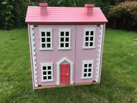 Dolls House in very good condition