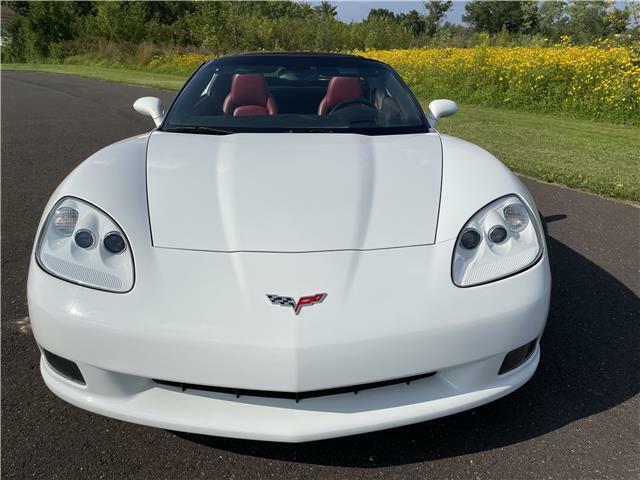 2006 White Chevrolet Corvette  3LT   C6 Corvette Photo 8