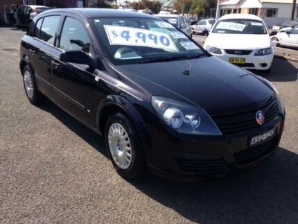 2004 Holden Astra AH CD Black 5 Speed Manual Hatchback Broadmeadow Newcastle Area Preview
