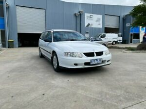 2002 Holden Commodore VX II Executive White 4 Speed Automatic Wagon Newport Hobsons Bay Area Preview