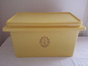 VINTAGE TUPPERWARE SERVALIER CANISTER WITH LID YELLOW LARGE