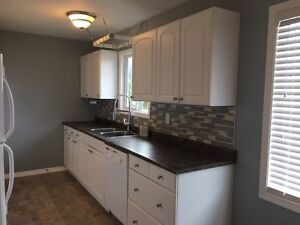 Newly Renovated 3 bdrm / 1 bath Upper Level of Home in Pinewood
