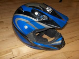 T H H Size Large Dirt Bike or A T V Helmet