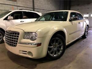 2009 CHRYSLER 300 LIMITED 220,000KM CUIR/TOIT/GPS/CAMERA/MAGS !