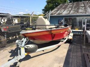 2009 Princecraft Resorter DLX with 40HP Evinrude E-Tec Tiller