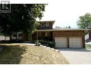 29 Garrett Cres Barrie Ontario Great house for sale!