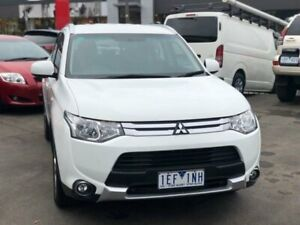 2015 Mitsubishi Outlander ZJ MY14.5 ES (4x4) White Continuous Variable Wagon Burwood Whitehorse Area Preview
