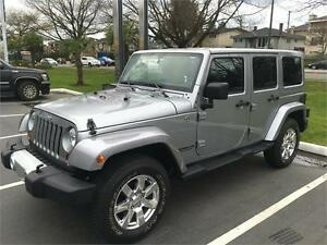 2013 Jeep Wrangler Unlimited Sahara low km's leather NAVIGATION