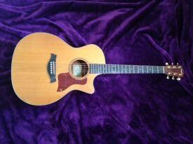 Taylor 514CE Grand Auditorium Acoustic Guitar : Cedar Top, Mahogany Back & Sides.