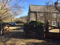 2 bed ground floor flat in lovely old Mill House, rural feel but only 5 mins from town centre